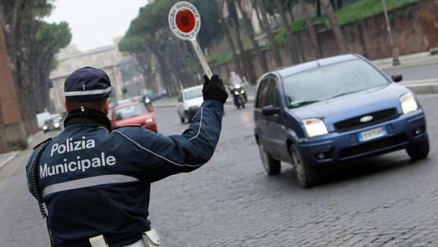 Traffico, blocco auto a Roma 9 dicembre 2015