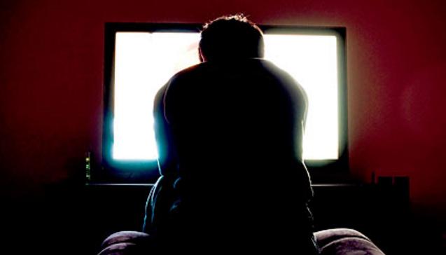 guardare troppa tv fa male