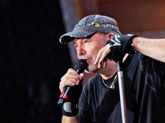 Vasco Rossi nella Treccani: la gioia del rocker su Facebook