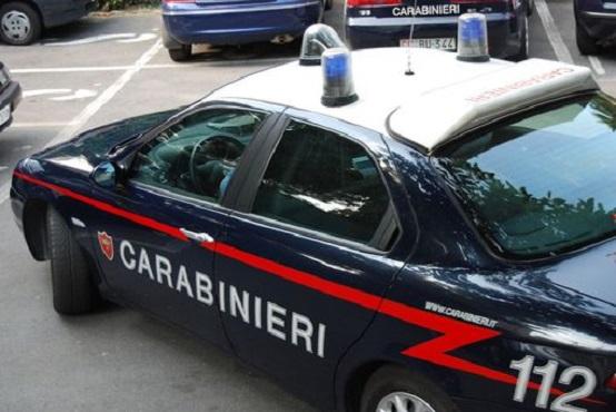 Giugliano in Campania, madre e figlia di 4 anni uccise a colpi di ascia
