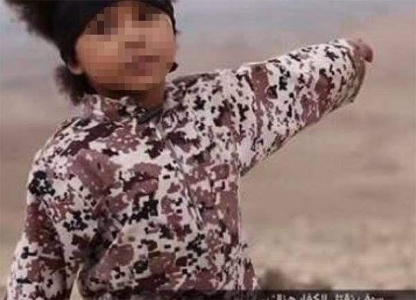 Identificati il nuovo Jihadi John e il bambino del video dell'Isis