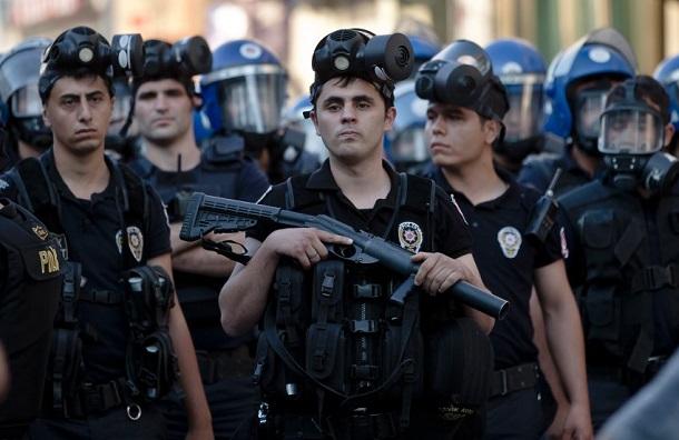 Turchia, ribelli curdi del Pkk assaltano stazione di polizia
