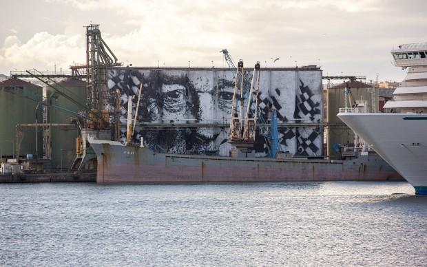 A Catania Vhils ha dipinto il murale più grande del mondo