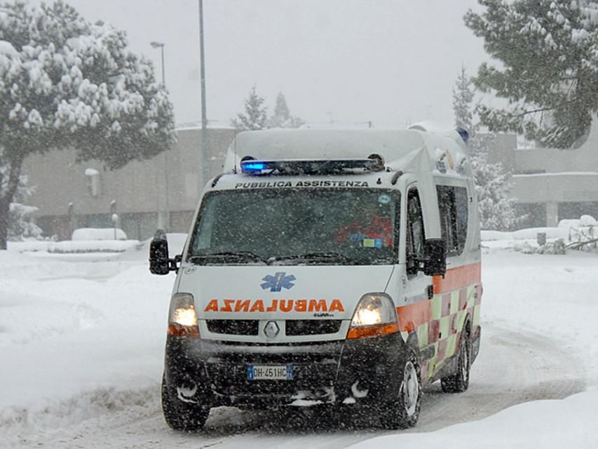 Udine, uomo trovato morto nella neve