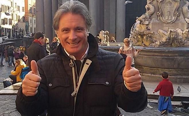 Uomini e Donne Over: Giorgio continua indisturbato le serate