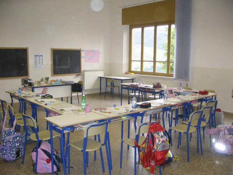 Taranto: maestra picchia bambini
