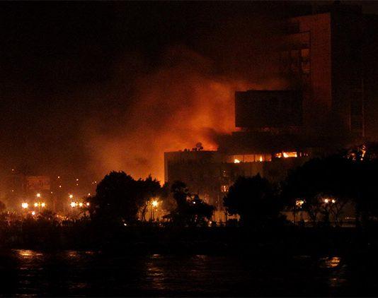 Napoli, incendio a Posillipo Bagnoli