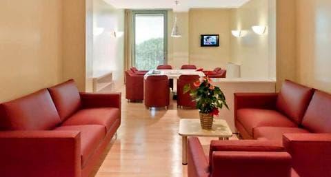 Le stanze di ospedale dove è ricoverato Silvio Berlusconi