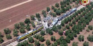 Incidente a Bari, scontro tra due treni su unico binario
