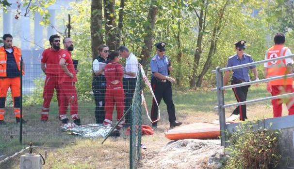 Milano, 33enne si tuffa nel fiume Adda senza riemergere