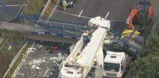 Regno Unito: un ponte crolla dopo a causa di un camion