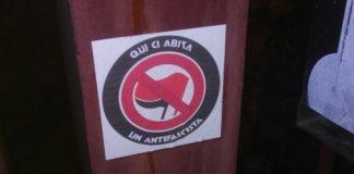 """Pavia, marchio choc sulle abitazioni: """"Qui abita un antifascista"""""""