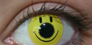 Lenti a contatto con smile: un sorriso negli occhi