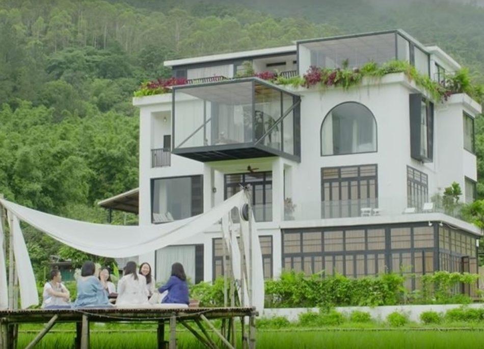 7 amiche comprano un'unica casa per invecchiare insieme