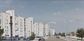 Lecce, precipita giù dal balcone: morto sul colpo